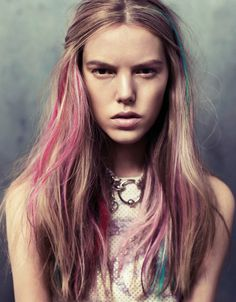 feathers & jeans | colorblocking. #woman #chalk #hair #fashion #beauty