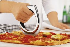 PIZZA WHEEL | BY ROSLE | Image #promdesign #knife