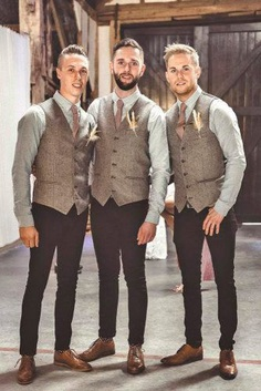 We know how anything goes when it comes to a groom's and groomsmen attire. We admit to have the same style and suits.