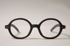FFFFOUND! | je suis perdu #glasses #wooden