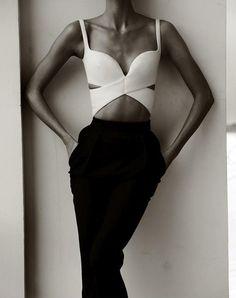 Karlie Kloss by Mariano Vivanco #fashion #model #photography #girl