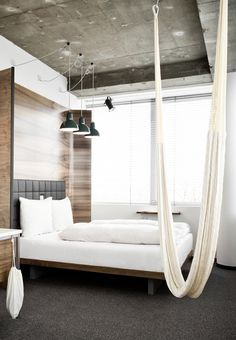 The Design Chaser: Check In | Hotel Daniel #interior #design #decor #bed #deco #hotel #decoration