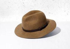 http://www.hm.com/josh/media/sys_master/freeformcampaigns/cCTNydUOZJVv/resources/images/3GB_KeyPieces_50.jpg #fashion #hat