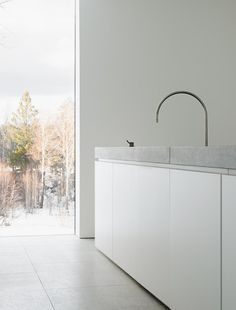 Palmgren House by John Pawson. Photo by Gilbert McCarragher. #kitchen #johnpawson #gilbertmccarragher