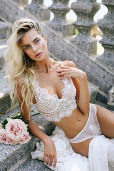 Gentle, beautiful, comfortable and sexy lingerie will help the bride feel confident. We have collected the best Trends Sexy Wedding Lingerie 2019 in our gallery.