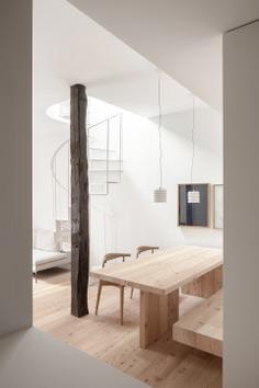 Ana Apartment by Francesc Rifé Studio