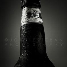 2+2=5 | Flickr: Intercambio de fotos #beer #white #black #minimalism #jordi #esteban #photography #and