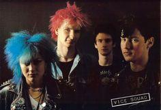 6711973725_76e6ed1307_b.jpg (JPEG Image, 1024x703 pixels) - Scaled (94%) #punk #blondie #venice #vice #exene #squad
