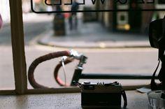 tumblr_l6a6z3caMi1qau50i.png (500×332) #camera #photo #bicycle