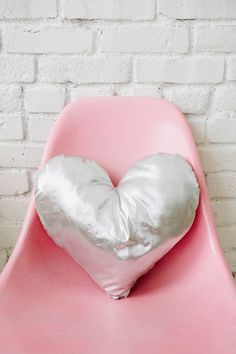 DIY heart pillow | designlovefest #heart #brick #white #pink #silver #chair