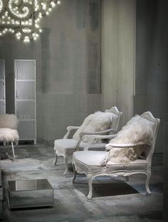 White Living Room Furniture and Decor Ideas by Paola Navone -  #decor, #interior,  #design,  #furniture, #white