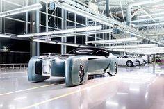 Rolls-Royce's 103EX offers a sneak peek into the brand's future. #103EX #rollsroyce Thoughts below, please.