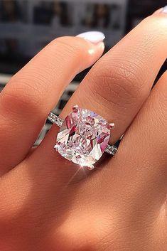 Engagement ring goals, right ladies?