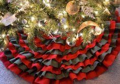 BURLAP RUFFLE CHRISTMAS TREE SKIRT #christmas #diy #holiday