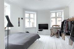 Minimalist Room #bedroom #room
