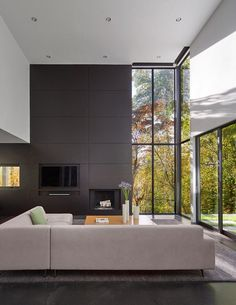 Mohican Hills House by Robert M. Gurney / Maryland 11