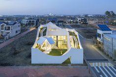 Flying House IROJE KHM Architects
