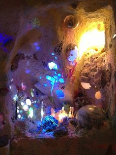 """hyperallergic:A Psychedelic Cave Blooms in ChicagoMeow Wolf, """"Nucleotide"""" installation at Thomas Robertello Gallery in Chicago (all phot #caity #cave #kennedy"""