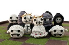 Plants & Zombies - Cecilia Hedin #chess #packaging #crochet #board #design #game #zombies