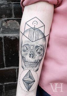 http://valentinhirsch.wordpress.com/ #skull #black and white