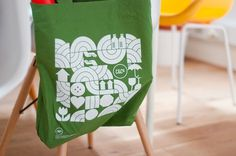 FormFiftyFive – Design inspiration from around the world » Blog Archive » Cow & Co Tote Bags #bag #tote #cowco