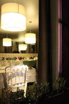all in one / Restaurante Cais d'4 Porto 2010 www.artspazios.pt #design #architecture #artspazios #restaurant