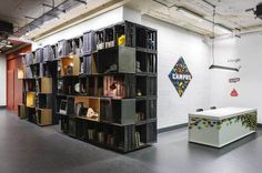 Google Campus, un garaje para crear sinergias entre start-ups » Blog del Diseño #space #furniture #google #shelves #cowork