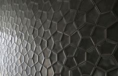 3D ceramic wall tile: geometric pattern PENTA 3D Daniel Ogassian #tiles #pattern