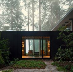 A 1959 Forest Cabin Was Turned into a Weekend Retreat in Rural Washington 3