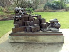 Eduardo_Paolozzi_Kew_Gardens_London.jpg 3,897×2,923 pixels
