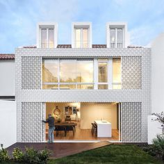 Refurbishment of a Semi-Detached House in Restelo Neighbourhood, in Lisbon