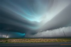 Severe Skies: The Photography of Storm Chaser Mike HollingsheadJanuary 15, 2014