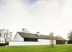 Gabled roof linear house. Villa NTT by Steven De Jaeghere. © CAFEINE.be. #architecture