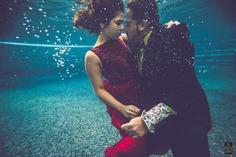 under water pre wedding photoshoot idea