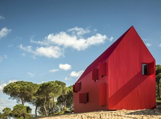 All-Red House 3000 in Portugal