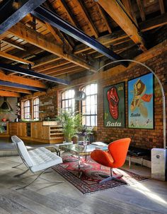 Tower Bridge London Apartment in a Converted Victorian Leather Warehouse 4