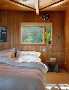 A Mill Valley House Made of Red Cedar and Glass 6