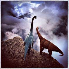 Dinosaur Toys Turn Tourists in Jorge Saenz's #Dinodinaseries