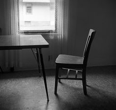 Three Lynx, dining room - Zeb Andrews #chair #simple #photography #square #table