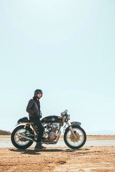 (9) Likes | Tumblr #man #helmet #motocycle #sky