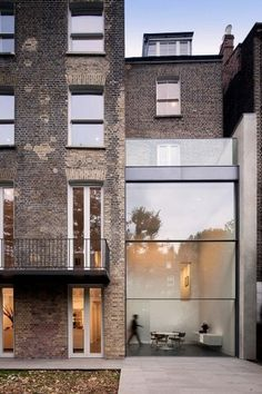 http://b-u-i-l-d.tumblr.com/ #glass #brick #architecture