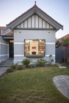 St Kilda East House by Taylor Knights Architects