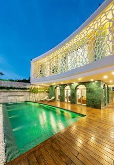 The Coral Villa / HUNI Architectes