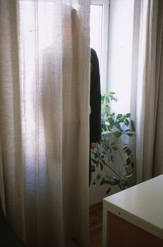 Wien_Versteck | Flickr - Photo Sharing! #flat #hidden #girl #seek #curtain #hide #behind #and #love