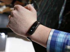 LG Lifeband Touch #tech #flow #gadget #gift #ideas #cool