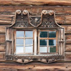 Ivan Khafizov Captures The Beauty of Russian Hand-Carved Wooden Window Frames