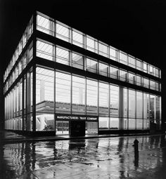 honover_screen_05.jpg (JPEG Image, 675 × 731 pixels) #1950s #gordon #interiors #architecture #bunshaft #facades