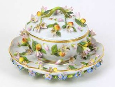 Meissen sumptuous Terrine to 1860 #porcelain