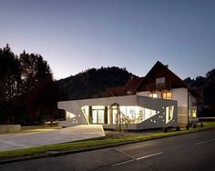 Unusual Home Addition: Bau Sallinger Office in Austria #architecture #office #light #residential