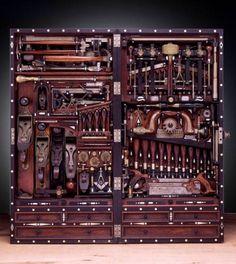 Google Reader (1000+) #piano #chest #tool #carpentry #carpenter
